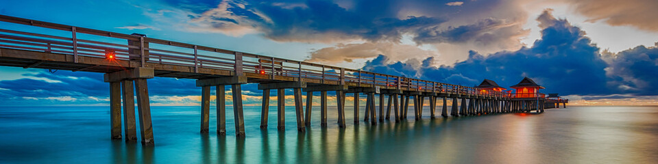 Keuken foto achterwand Napels Panoramic old pier naples in Florida, america. Travel concept