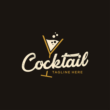 vintage Cocktail logo design vector. alcohol drink icon. retro cocktail glass vector design template