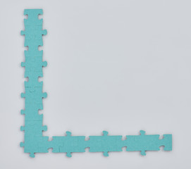 Boarder from puzzle pieces