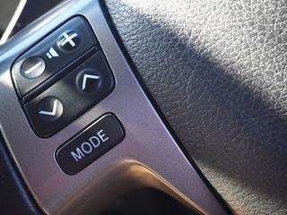 車のハンドルの写真