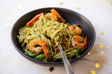 King prawns and pesto sauce with spaghetti