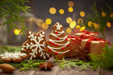 Obraz Boże Narodzenie - Pierniczki zdobione  - fototapety do salonu