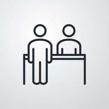 Símbolo recepción. Icono plano lineal mostrador con hombre de pie en fondo gris