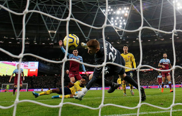 Premier League - West Ham United v Arsenal