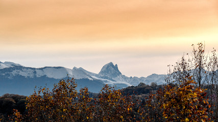 view of Pic du Midi Ossau in autumn, french Pyrenees Fototapete
