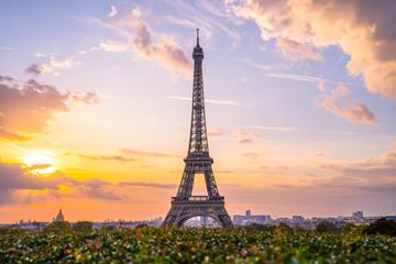 Poster de jardin Tour Eiffel Eiffel tower at sunrise