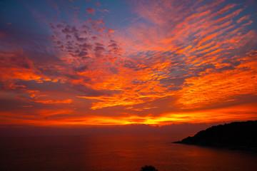 Photo sur Plexiglas Bordeaux Sea shore sunset sky with cloud