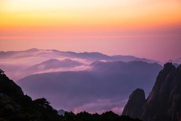 Foto auf Acrylglas Aubergine lila Huangshan mountain, Sunrise, Anhui, China
