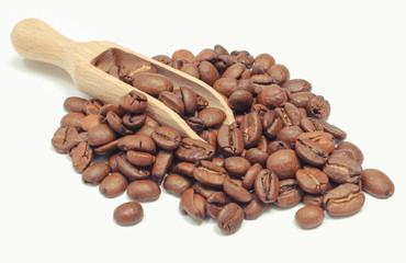 Poster de jardin Salle de cafe Heap of coffee grains with spoon. White background