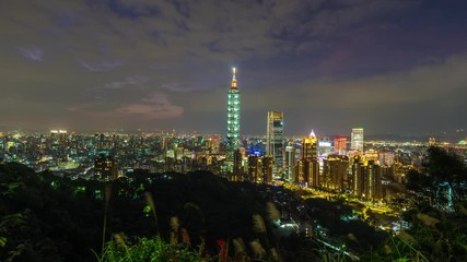 Fototapete - Time lapse of Taipei skyline in Taiwan.