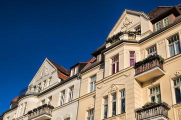 halle saale, deutschland - sanierte altbauten in der altstadt