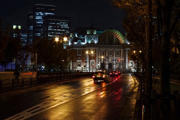 大阪中之島・雨の夜