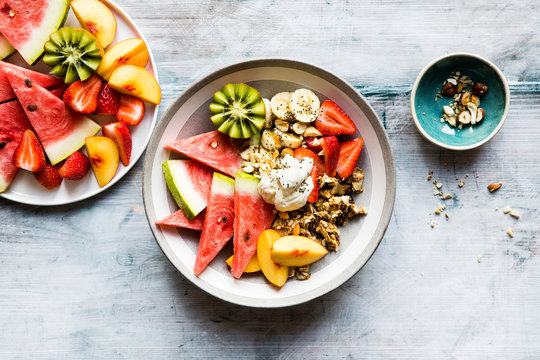 Breakfast bowl with fruit and granola