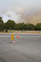 Gesperrte Straße in Tasmanien. Australien