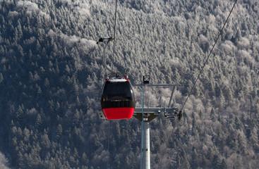 Foto op Canvas Gondolas Gondola Lift Jaworzyna Krynicka in winter. Krynica-Zdroj, Poland.
