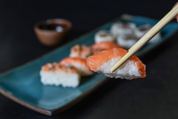 Sushi. Comida japonesa, niguiri, close up