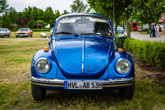 "PAAREN IM GLIEN, GERMANY - JUNE 03, 2017: Economy car Beetle, 1973. Exhibition ""Die Oldtimer Show""."
