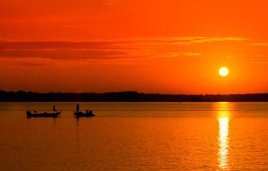 Tuinposter Rood Fisherman Sunrise