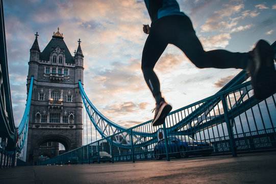 Running in London, Athlete run on the Tower Bridge.