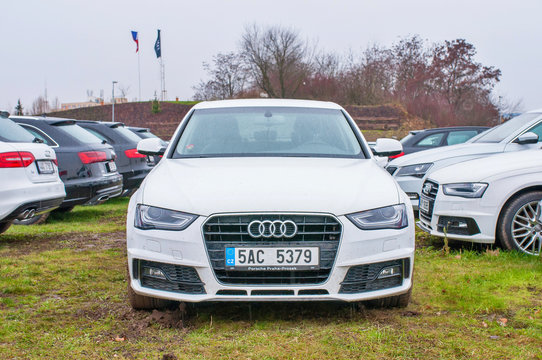 Front view of white car Audi