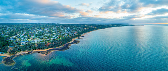Wide aerial panorama of Mount Eliza suburb and coastline at sunset. Melbourne, Australia Fotomurales