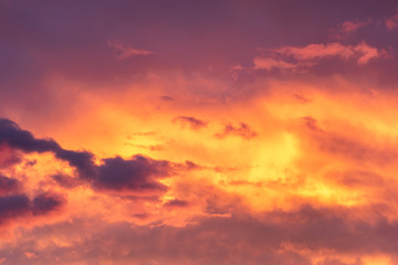 Fototapeten Hochrote Colorful sky at the golden hour