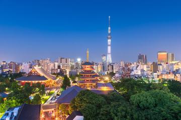 Fotomurales - Tokyo, Japan skyline in Asakusa.