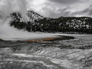 Foto op Canvas Donkergrijs Yellowstone reflection