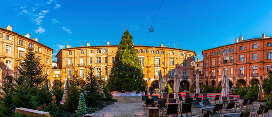 Place Nationale at Christmas in Montauban in the Tarn et Garonne in Occitania, France Fototapete