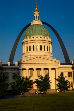 MAY 15, 2019, ST LOUIS, MO., USA - Old St. Louis Courthouse, Gateway Arch, site of historic Dred Scott decision triggering Civil War
