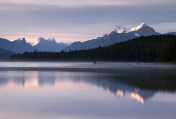 Foto op Plexiglas Lavendel Maligne Lake close to Jasper with early morning mood, Alberta, Canada