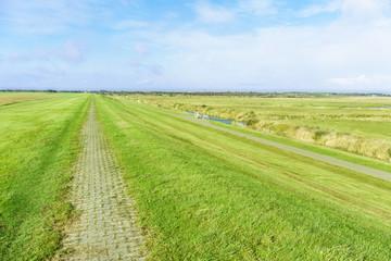 Fototapete - Radweg auf dem Deich