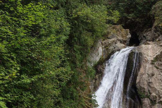 waterfall near snoqualmie washington