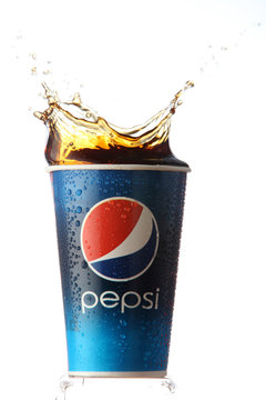 pepsi paper cup with the splash