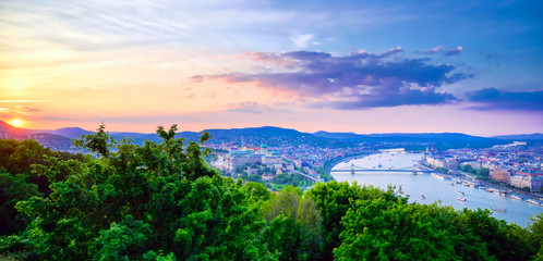 Printed kitchen splashbacks Beige A view along the Danube River of Budapest, Hungary from Gellert Hill at sunset.