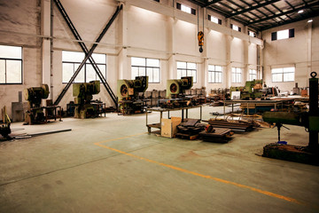 Foto auf AluDibond Alte verlassene Gebäude Abandoned Asian factory building