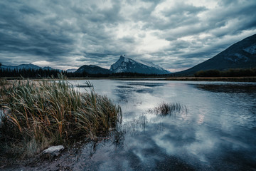 Wall Mural - Mount Rundle and Vermillion Lakes in a cloudy sunset, Banff, Alberta, Canada