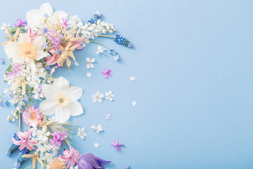 Poster Bloemen spring flowers on paper background