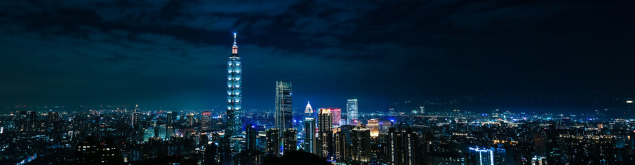 Photo sur Aluminium Elephant Panoramic city view. Cityscape of Taipei. Night Panorama Taipei Tower. Skyline.