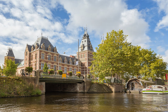 Rijksmuseum, view from the canal, Amsterdam