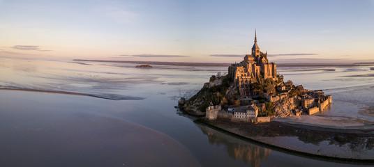 Le Mont Saint-Michel in Frankreich -Normandie Fototapete