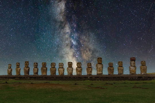Mysterious Maori Statues under the Milky Way Galaxy on Easter Island