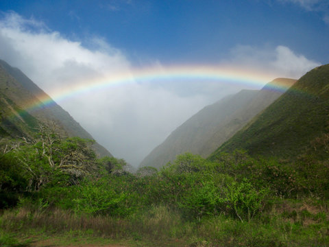 Rainbow in the West Maui mountains
