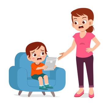 mother angry over kid boy smartphone addiction