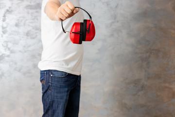 Obraz Pracownik budowlany gotowy do pracy - fototapety do salonu
