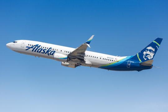 Alaska Airlines Boeing 737-900ER airplane Los Angeles airport