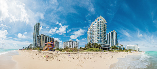 Panoramic picture of Maimi beach in Florida during daytime