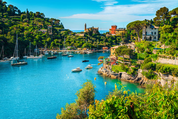 Photo sur Aluminium Ligurie Mediterranean cityscape with spectacular harbor, Portofino, Liguria, Italy, Europe