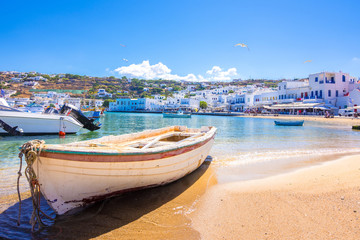 Mykonos port with boats, Cyclades islands, Greece Fototapete