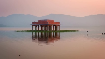 Fotomurales - Romantic Jal Mahal Water Palace at sunrise in Jaipur. Rajasthan, India
